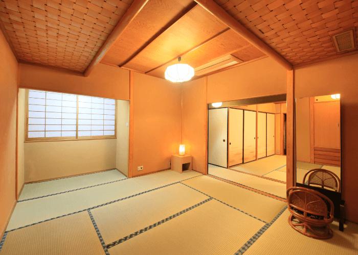 写真:しっとりと包み込んでくれるような京壁